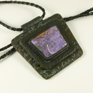 Pendant with real gemstone cabochon